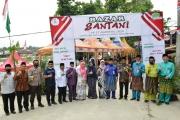 Menghadiri Sekaligus Membuka Bazaar